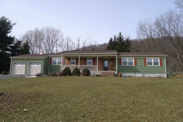 35 Edsall Dr in Vernon, NJ
